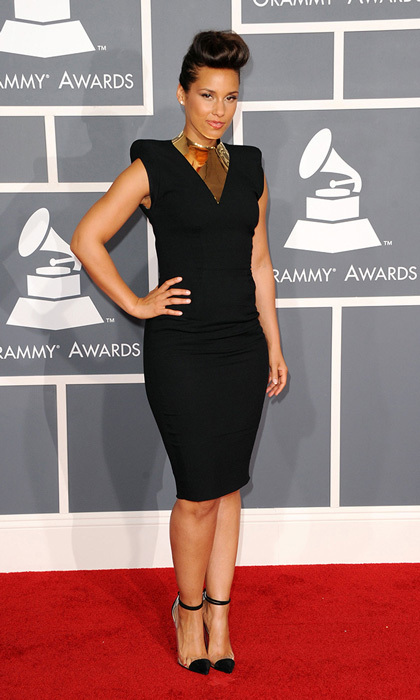 Alicia Keys performed a tribute to Etta James with Bonnie Raitt, but we'd like to pay tribute to her fierce Alexandre Vauthier dress and its armored metal neckline. We also love her clear, cap-toed Christian Louboutin pumps.