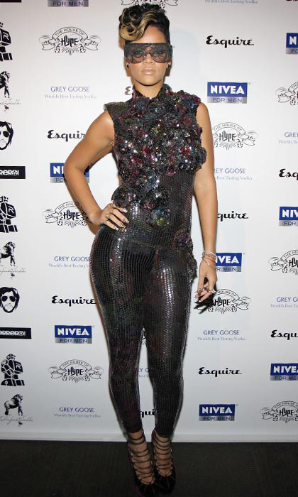 The songstress shined in a sparkly Jasmine di Milo sequin jumpsuit and lace sunglasses during the 2nd annual House of Hype Directors Dinner in 2009.