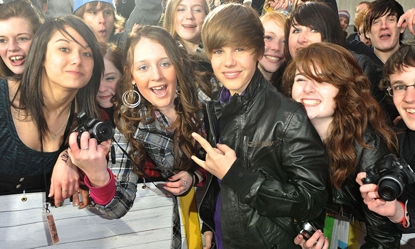 Justin greeted throngs of fans on CTV's Red Carpet at the 2010 Juno Awards, where he was nominated for New Artist of the Year (he lost out to Toronto rapper Drake). Photo: © Getty