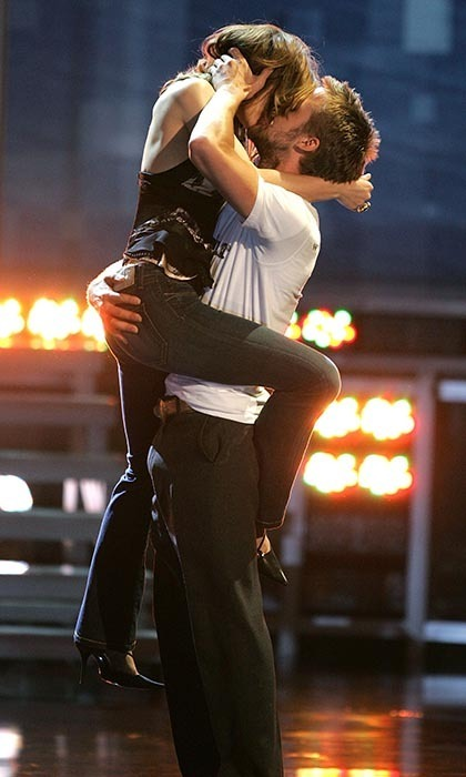 Canadian cuties (and real-life couple) Rachel McAdams and Ryan Gosling accepted the award for Best Kiss for 'The Notebook' in dramatic fashion, with Rachel leaping into Ryan's arms onstage for a passionate embrace.