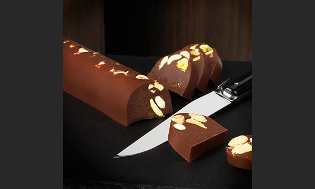 Who doesn't love chocolate?  Hotel Chocolat's nutty gianduja log won Best Vegan Confectionary at PETA's 2013 UK Vegan Food Awards - and we're not surprised, what with its pistachios and hazelnuts enrobed in rich, dark cocoa. Hotel Chocolat's Hazelnut Bûche Dark & Nutty - Chocolate Log, $17