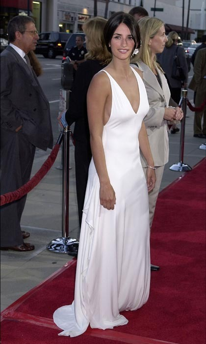 Penelope was positively angelic in a plunging white gown at a 2001 movie premiere. The fresh-faced beauty accessorized with a flower in her hair, an ode to her Spanish roots. (Photo by Gregg DeGuire/WireImage)