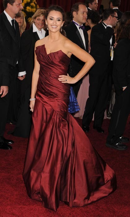 Penelope was ravishing in a cranberry-coloured Donna Karan Couture satin gown at the 2010 Oscars. (Photo by Jeffrey Mayer/WireImage)