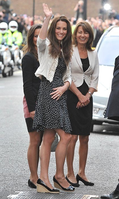 Kate, with her mom Carole and sister Pippa, checked into London's Goring Hotel the night before the wedding.