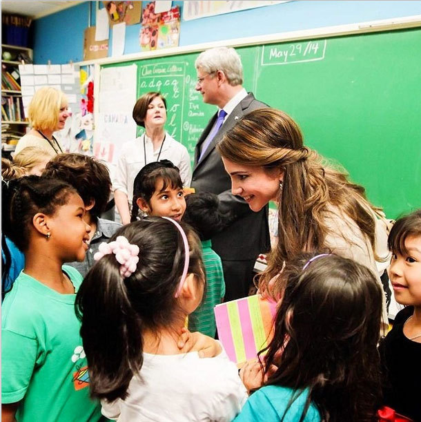 the charitable work of princess diana and queen rania Queen rania has proven time and time again that she is more than just a pretty face often dubbed the princess diana of the middle east, her majesty queen rania al abdullah of jordan is well.
