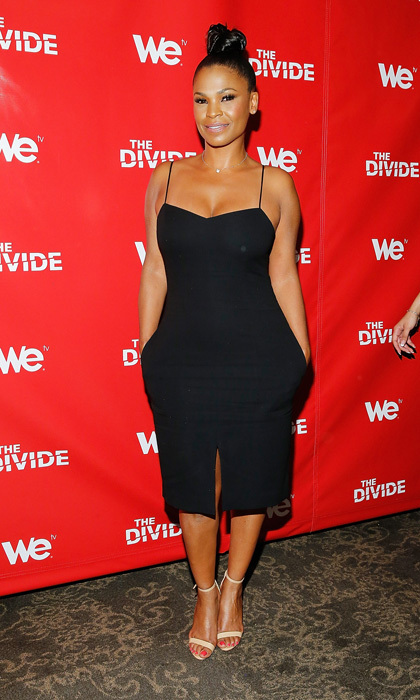 Nia Long perfected the ballerina bun for the series premiere of 'The Divide' in NYC and opted for a beautifully minimalist look with a pocketed midi-dress, Stuart Weitzman's 'Nudist' sandals and simple chain necklace