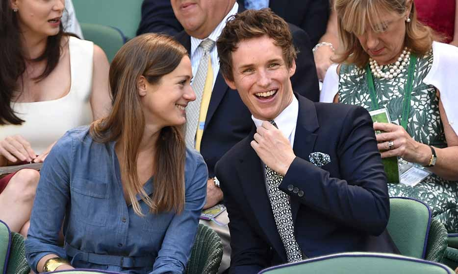 'Les Miserables' actor Eddie Redmayne and his fiancée Hannah Bagshawe showed up for the quarterfinal match between Lucie Safarova vs. Petra Kvitova.