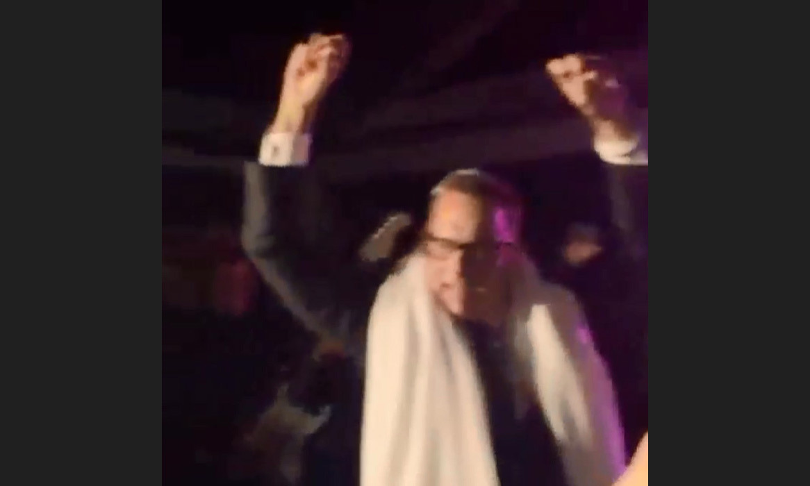 "Tom Hanks was caught dancing and having a blast on video on Justin Bieber's Instagram; ""Haha Tom Hanks singing ""This Is How we do it"" dressed like a Rabbi lol #thatdancetho""