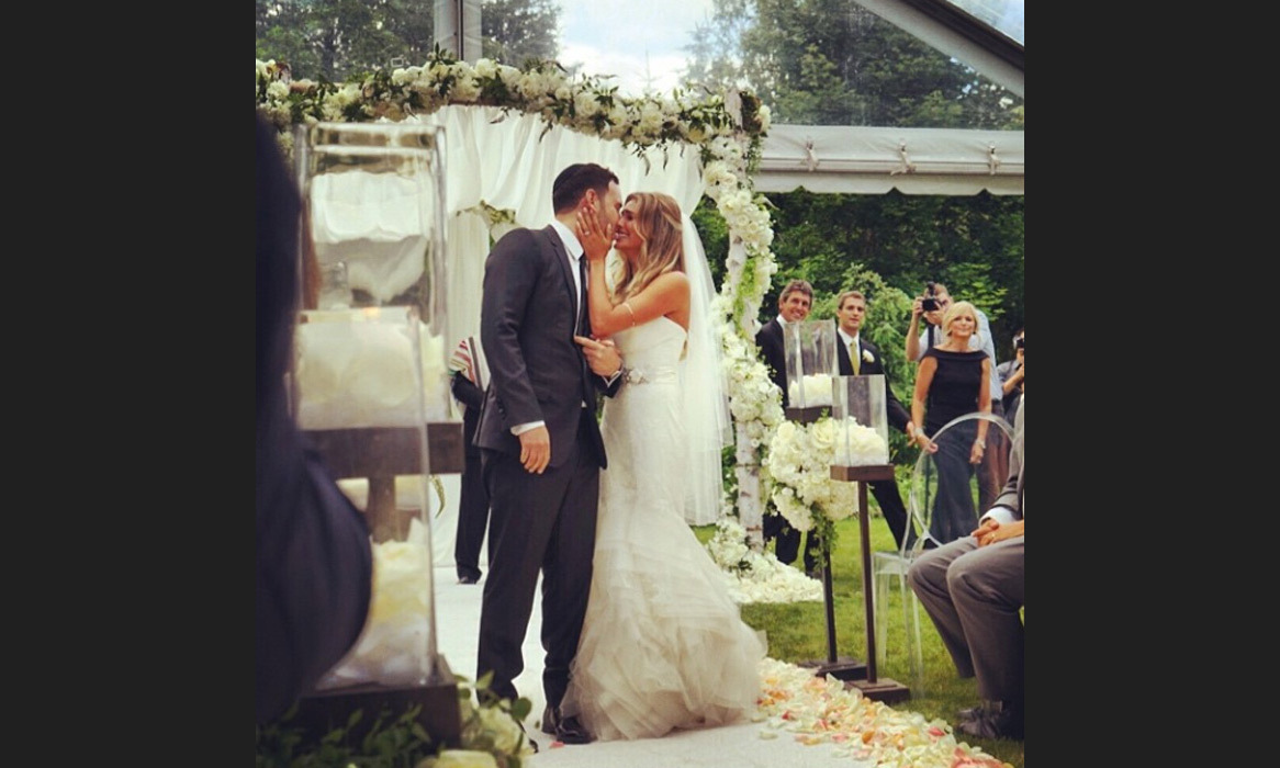 "Love was in the air! Sophia Bush shares a tender moment of the bride and groom's first kiss; ""#LoveLoveLove #SYBwedding"" Photo: © Instagram"