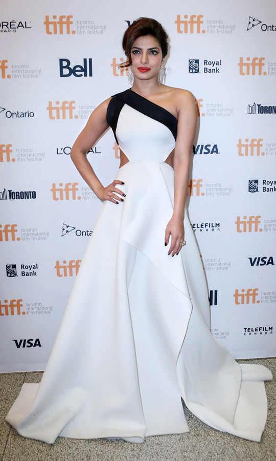 Tiff Style Priyanka Chopra Stuns In Two Sexy Dresses On -4300