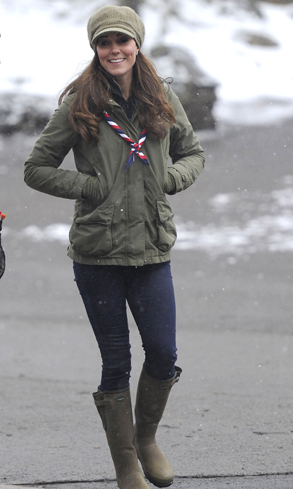The pregnant royal bundled up in a chic and casual outfit for a trip to a children's Scout Camp. Photo: © Getty Images