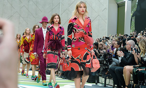 Suki Waterhouse looked stunning as she closed the Burberry show. Photo: © Getty Images