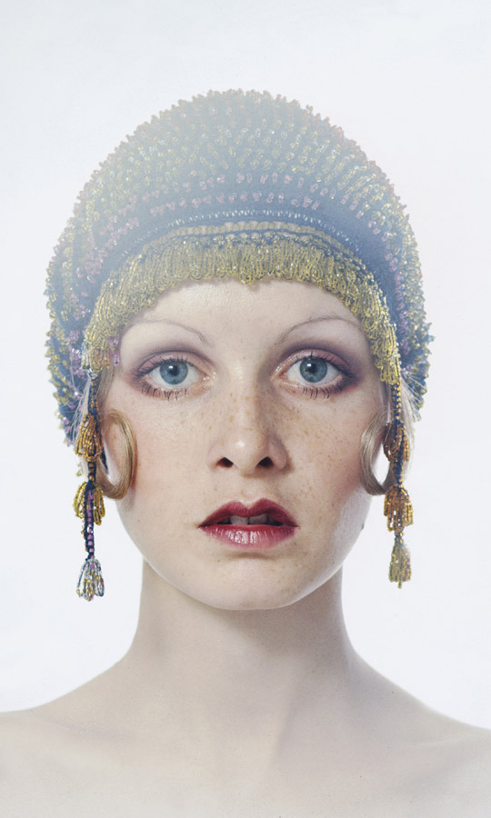 1971: In this shot by Justin De Villeneuve, Twiggy sported a luxe beaded headdress to suit the 1920s theme. (Image: Hulton Archive)