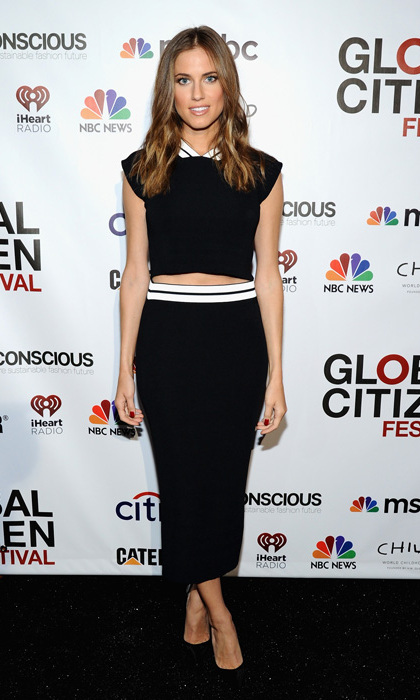 'Girls' star Allison Williams went for sporty sophistication at the Global Citizen Festival in a knit two-piece look by Vionnet.